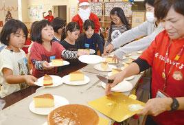 クリスマス会に地域のちびっ子が集合した=19日、石垣市健康福祉センター