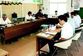 市議会の新庁舎建設特別委員会が開かれた=7日午後、市役所