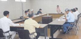 総合戦略策定庁内検討委員会の初会合が開かれた=4日午前、市役所