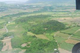 石垣島の景観を守るため策定された風景計画などが来年度見直される。写真は自然が多く残る石垣島農村部(2015年4月撮影)