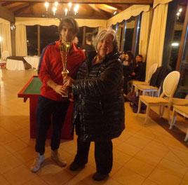 Claudio Panebianco premiato dalla signora Diletti