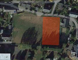Der alte Sportplatz - auf der eingefärbten Fläche könnte der neue Dorf- und Festplatz entstehen.