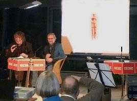 Autorengespräch bei der Preisverleihung: Moderator Hellmuth Opitz und Preisträger Manfred Sestendrup.