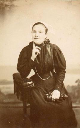 Olympre RENAULT vers 1900