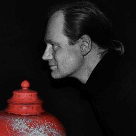 Keramik Mario Howard