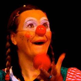 Versunkenheit im Spiel Clownin LOTTE