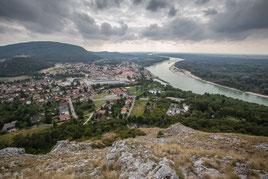 Ausblick vom Braunsberg auf Hainburg an der Ungar. Pforte.