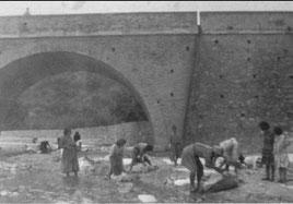Anni '50 - Lavandaie nel Coriglianeto