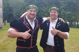 mit Klubkollege Michael Moser der seinen zweiten Bergkranz feiern darf