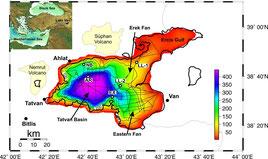 Seismische Linien (850 km) und vorgeschlagene ICDP Bohrlokalitäten. NB: Northern Basin Site, AR: Ahlat Ridge Site; LL-1, LL-2: Lake Level Sites, EX: Extrusion Site. NB und AR wurden während der ICDP Kampagne 2010 gebohrt (nach Litt et al., 2009).