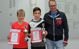 Junioren U12: Lasse Pörtner (l.) Eddie Schmidt (m.)