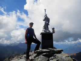 In vetta al monte Avic