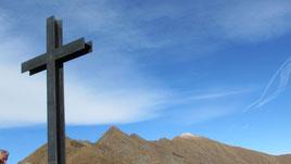 La croce di vetta del Monte Todano m. 1667