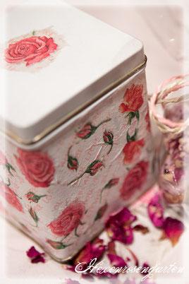 Rosiger Adventskalender im Hexenrosengarten - Rosige Teedose mit Rosentee