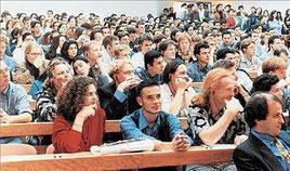 Αναφερόμαστε στους χιλιάδες εισακτέους ή και φοιτητές ενδιάμεσων εξαμήνων που επιδιώκουν μετεγγραφή σε ΑΕΙ ή ΤΕΙ του τόπου μόνιμης κατοικ