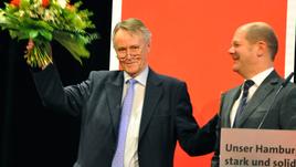 Bürgermeister Olaf Scholz und Hans-Ulrich Klose