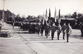 Unser Bild zeigt den Vorbeimarsch des Bataillons