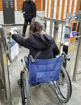 ソウルの地下鉄にて