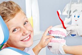 Bleibende Zähne: Schulkinder-Vorsorge
