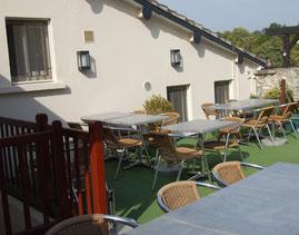 Terrasse restaurant La Licorne Beynes