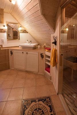 Luxusbad mit Sauna