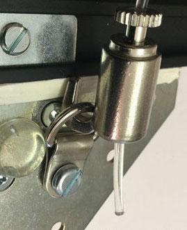 Attaccaglie multifuzionale in ferro per quadri pesanti
