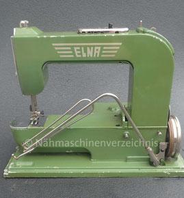 Elna 1, Freiarm-Geradstich-Nähmaschine, Einbaumotor mit Kniehebel, Koffer dient als Anschiebetisch, Hersteller:  Elna Tavaro SA, Genf/Schweiz (Bilder: I. Naumann und W. Bruß)