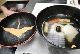 漆器の器でお雑煮