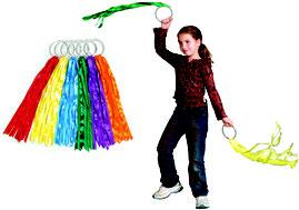 Les anneaux à ruban arc-en-ciel pour gym rythmique des enfants. Les anneaux à ruban arc-en-ciel à acheter pas cher. Facile à lancer cette balle poco balle.