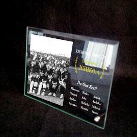 大会優勝記念 卒業記念 写真彫刻ガラスレリーフ 名入れ彫刻