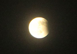 ⑪そろそろ今宵の月食ショーも終了間近。
