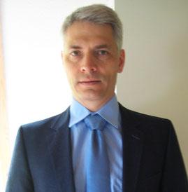 Nachher Sommertyp mit Krawatte