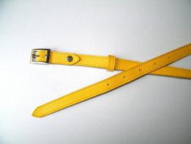 ceinture femme en cuir jaune sur mesure,fabriquée en France, artisan du cuir