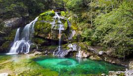 Slovenischer Wasserfall Bovec Crag