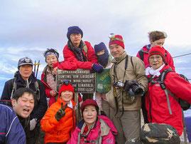 登山ツアー添乗でキナバル山(4,095m)登頂