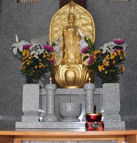 龍音寺観音堂内部の観音様の写真です。