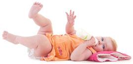 Stillen oder Babyflasche: Was empfehlen Zahnärzte? (© inna astakhova - Fotolia.com)