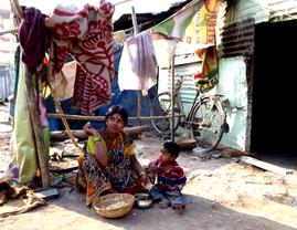 Mumbai. Visite à domicile à Bhim Nagar avec l'association PATH