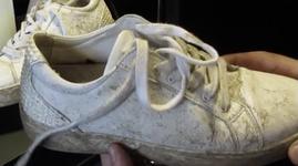 mueden.de, Sneaker reinigen, Bild 1 schmutzige Schuhe