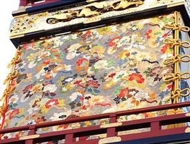 本町の山車にある牡丹の刺繍(山口憲さん作)