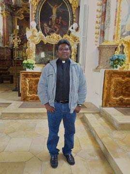 Pfarrvikar Yesu Jeyapal Savariyappan beim Besuch des Klosters Speinshart (Juli 2015)