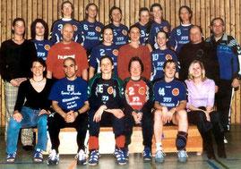 Karl zu aktiven Zeiten 2. v. rechts mittlere Reihe, Aufstieg in die 2. Bundesliga am 14. Mai 2000