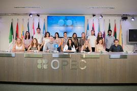 Die Teilnehmer der 2015 Middle East Summer School Participants bei der OPEC