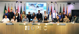 Die Teilnehmer der 2015 Middle East Summer School bei der OPEC in Wien