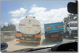 Un normale sorpasso in Kenya