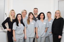 Das Team der Zahnarztpraxis Dr. Axel Ruppert, M.Sc., M.Sc. in Ellwangen