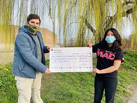 Auf dem Bild links: Usama Kayani, Manager Eden Care UK Auf dem Bild rechts: Perrie Hussain, QN Europe Independent Representative