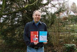 Manfred Schloßer mit seinen beiden ersten Romanen aus der Danny-Kowalski-Trilogie