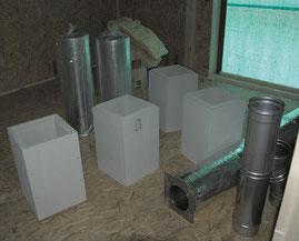 Modula-Schachtsysteme vor dem Einbau.