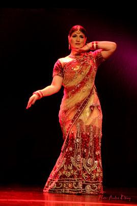 Bollywood Tänzerin buchen Bollywood Indische Tänzerin Bauchtänzerin